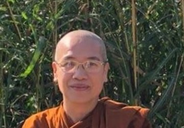 Venerable Bhikkhuni Viditadhamma in Conversation with Professor Paul Harrison